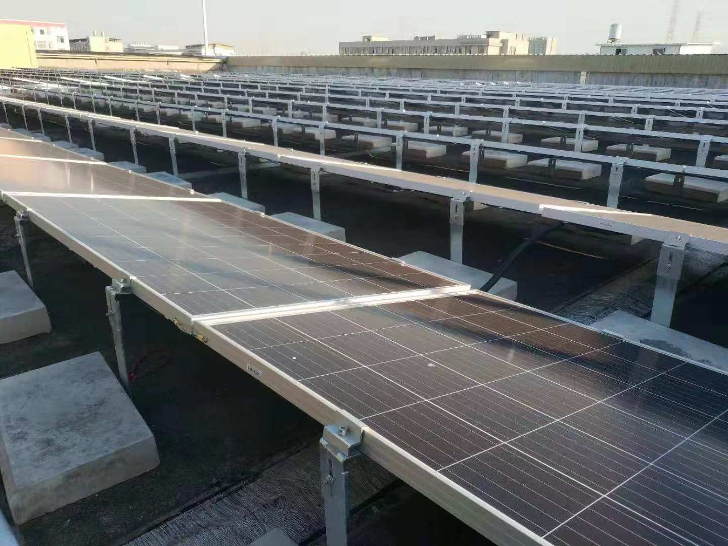 Installation of 1.2 MW Ballast Roof in Jinhua, Zhejiang Province